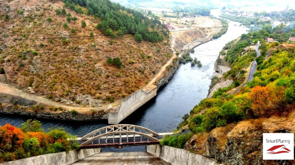 Kardzhali Dam from top of the wall